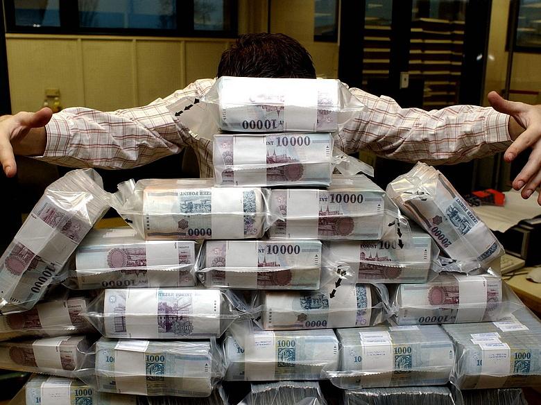hogyan lehet pénzt licitálni)