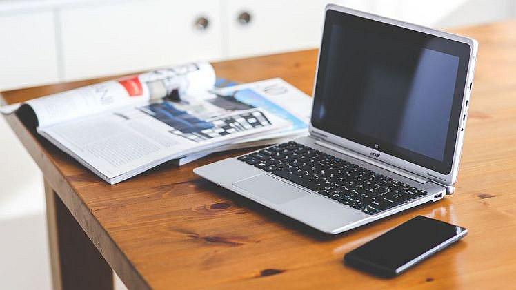 Dolgozzon otthon nélkül az interneten keresztül. Távsegítő üzletembernek kell