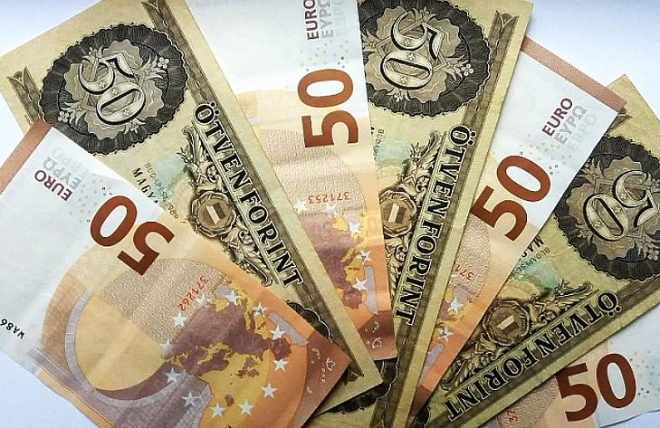 hogyan lehet pénzt keresni dollár árfolyamon