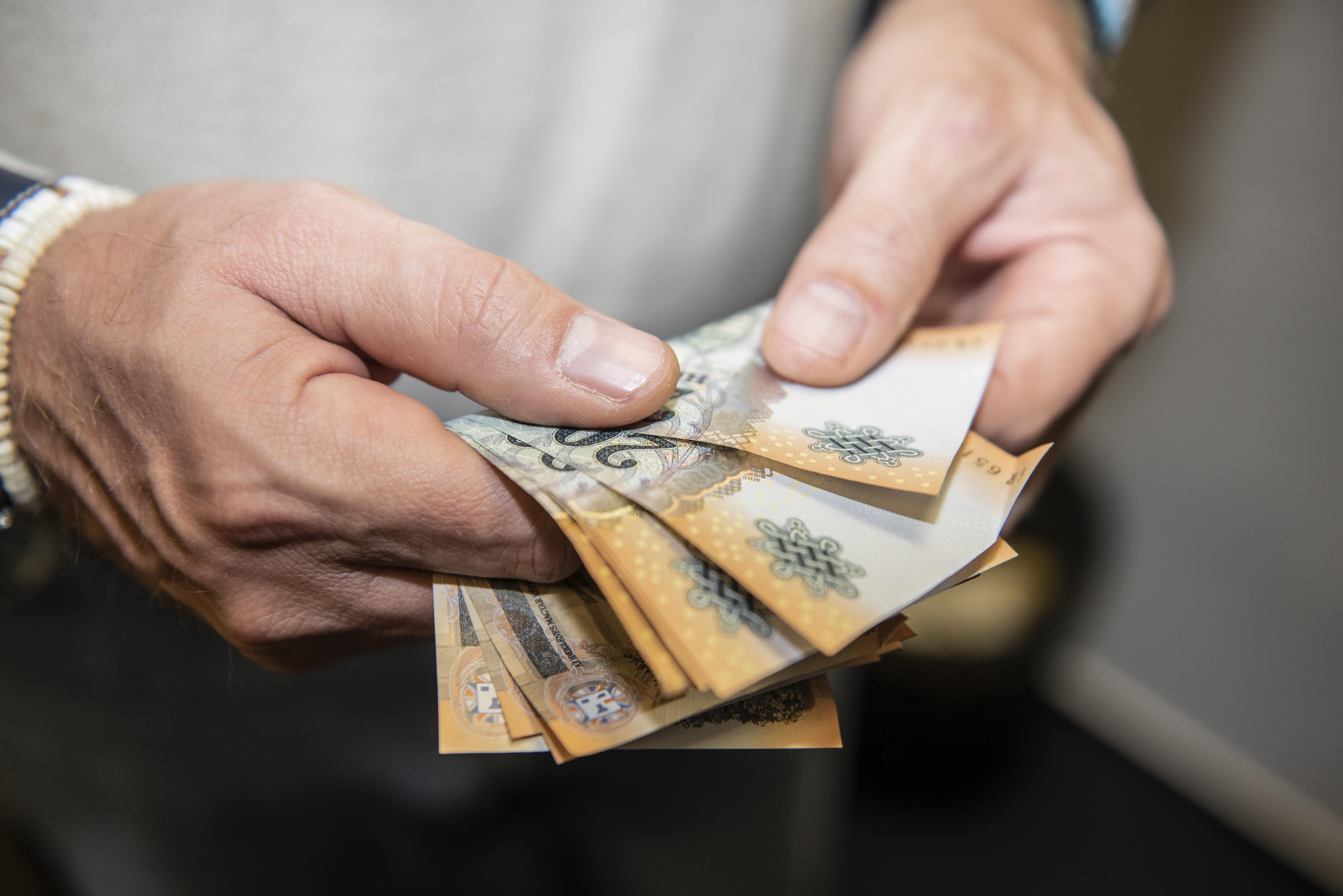 hogyan lehet pénzt keresni 500-zal)