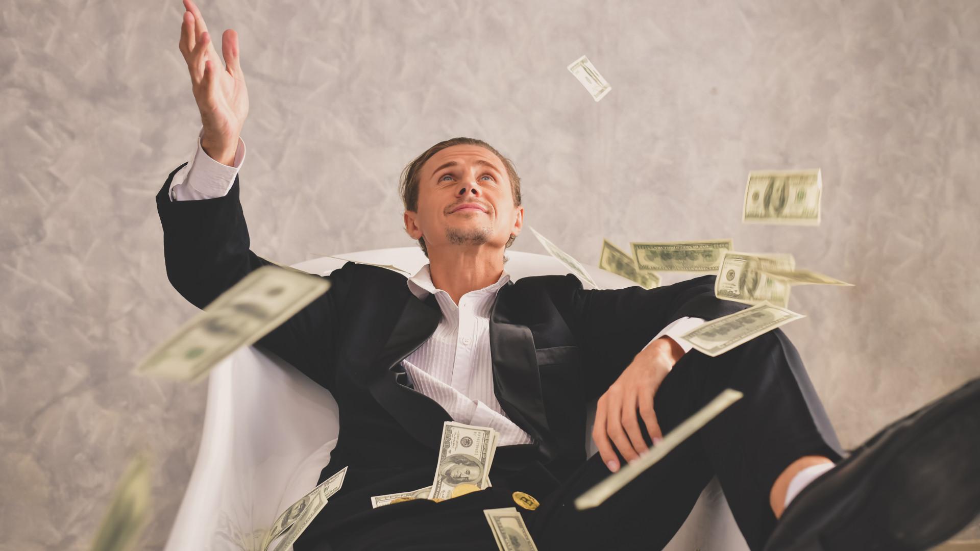 milyen gazdag pénzt keres