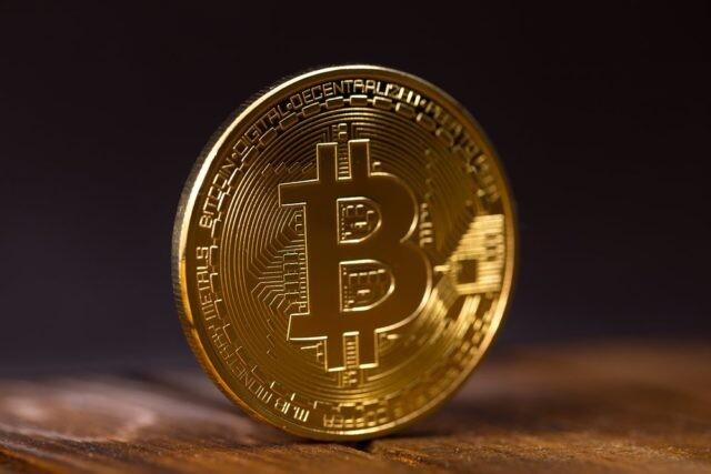 hogyan lehet pénzt keresni a bitcoin árfolyamon