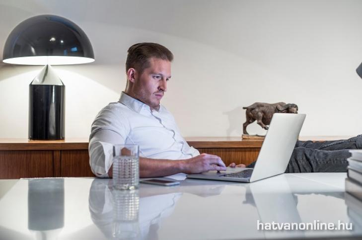online pénzkeresés témái hogyan lehet nagy és könnyű pénzt keresni