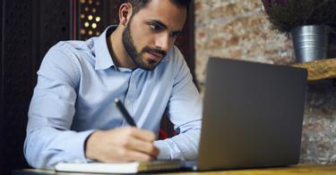 az internetes pénzkeresésről szóló tanfolyamok áttekintése