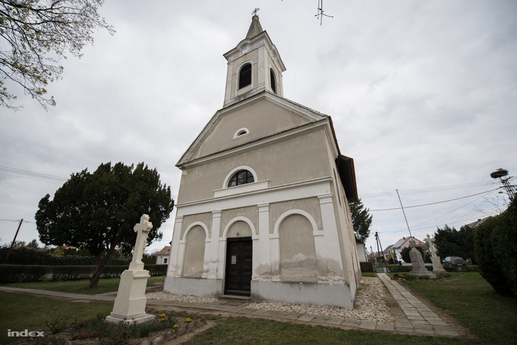gyors pénz fehér templom)