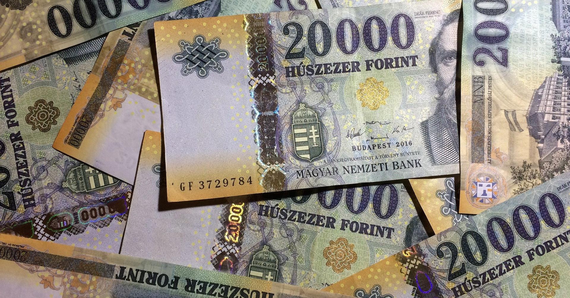 hogyan lehet pénzt keresni és pénzt megtakarítani)