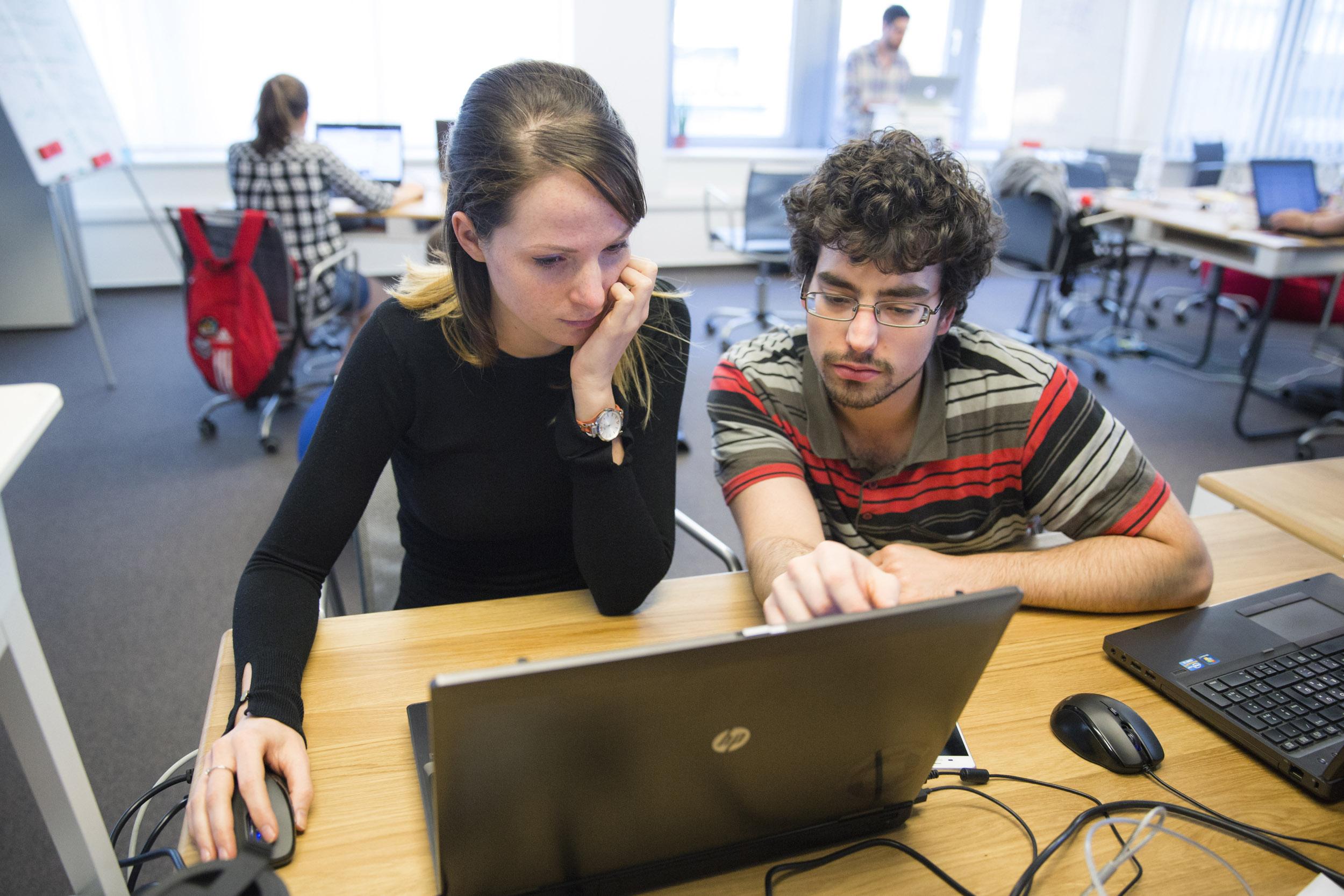 kereset az interneten kezdő programozók számára pénzt keresni az interneten azonnal és beruházások nélkül