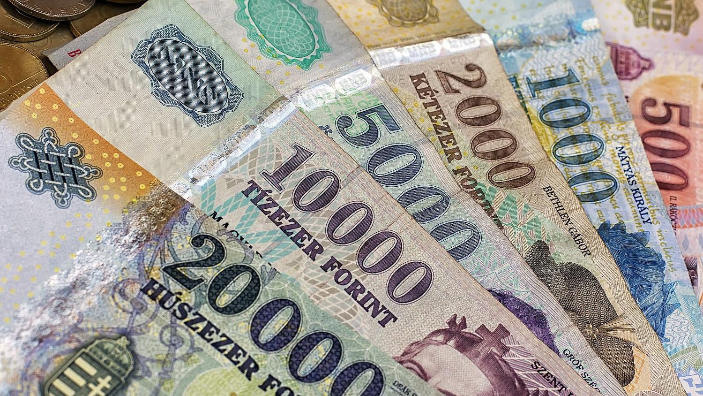 hogyan lehet pénzt előleg nélkül befizetni)