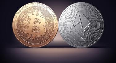 új pénz bitcoin)