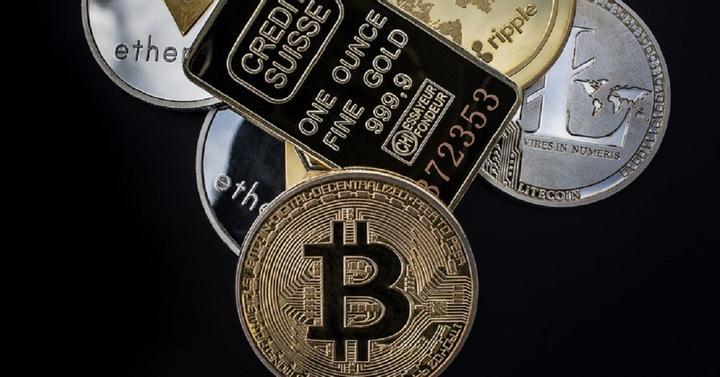 bitcoin által biztosított pénz helyi bitcoin árfolyam
