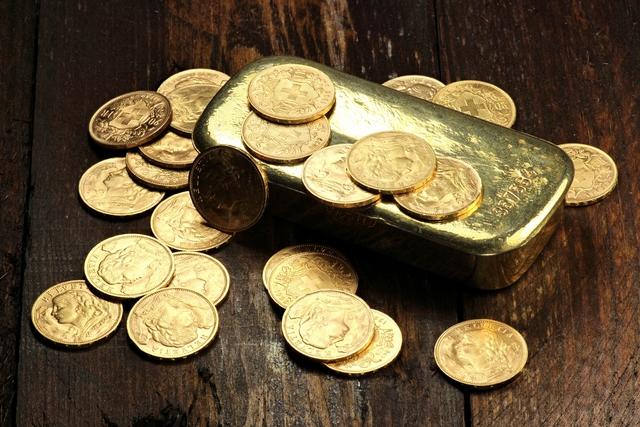 pénzt találgatni)